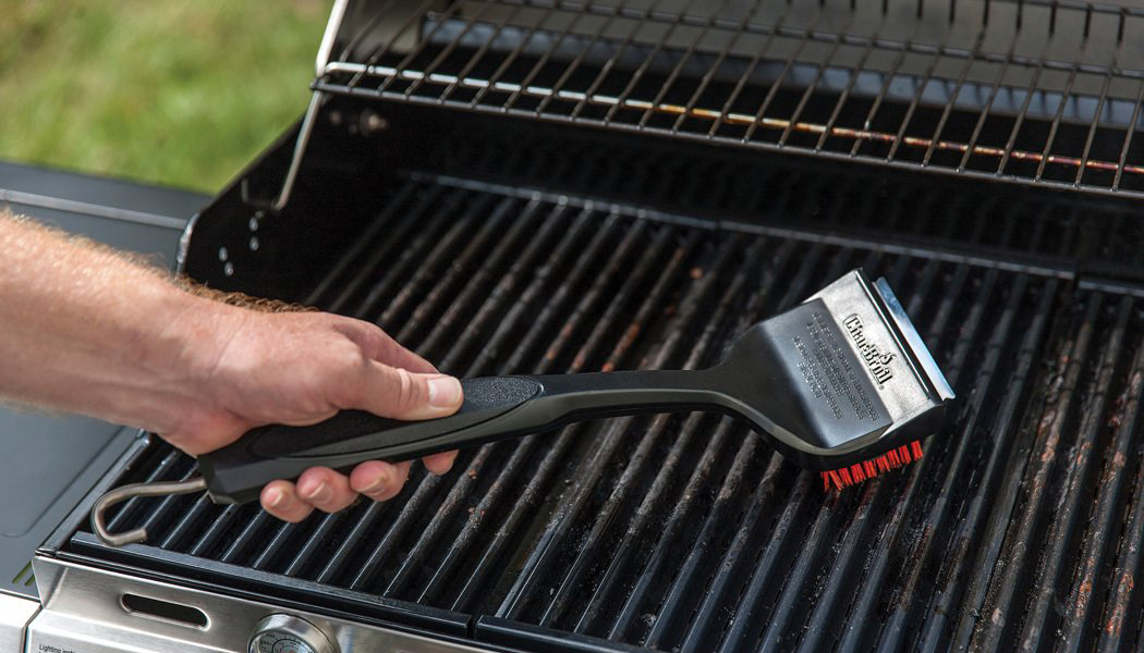 barbeque-cleaning-brush